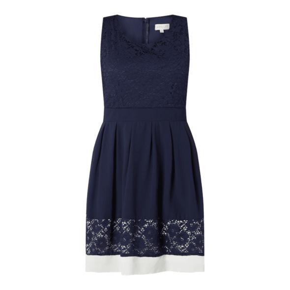Kleid aus floraler Spitze und Chiffon