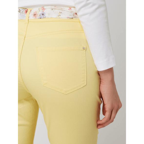 Skinny Fit Jeans mit Gürtel