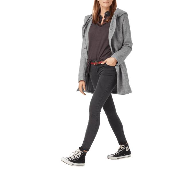 Mantel mit breiter Kapuze